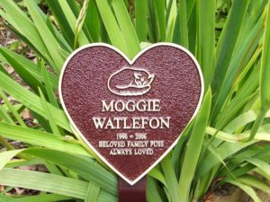 Heart-Plaque-on-Stake